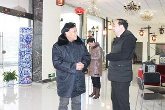 咸宁高新区领导春节前来我公司视察工作